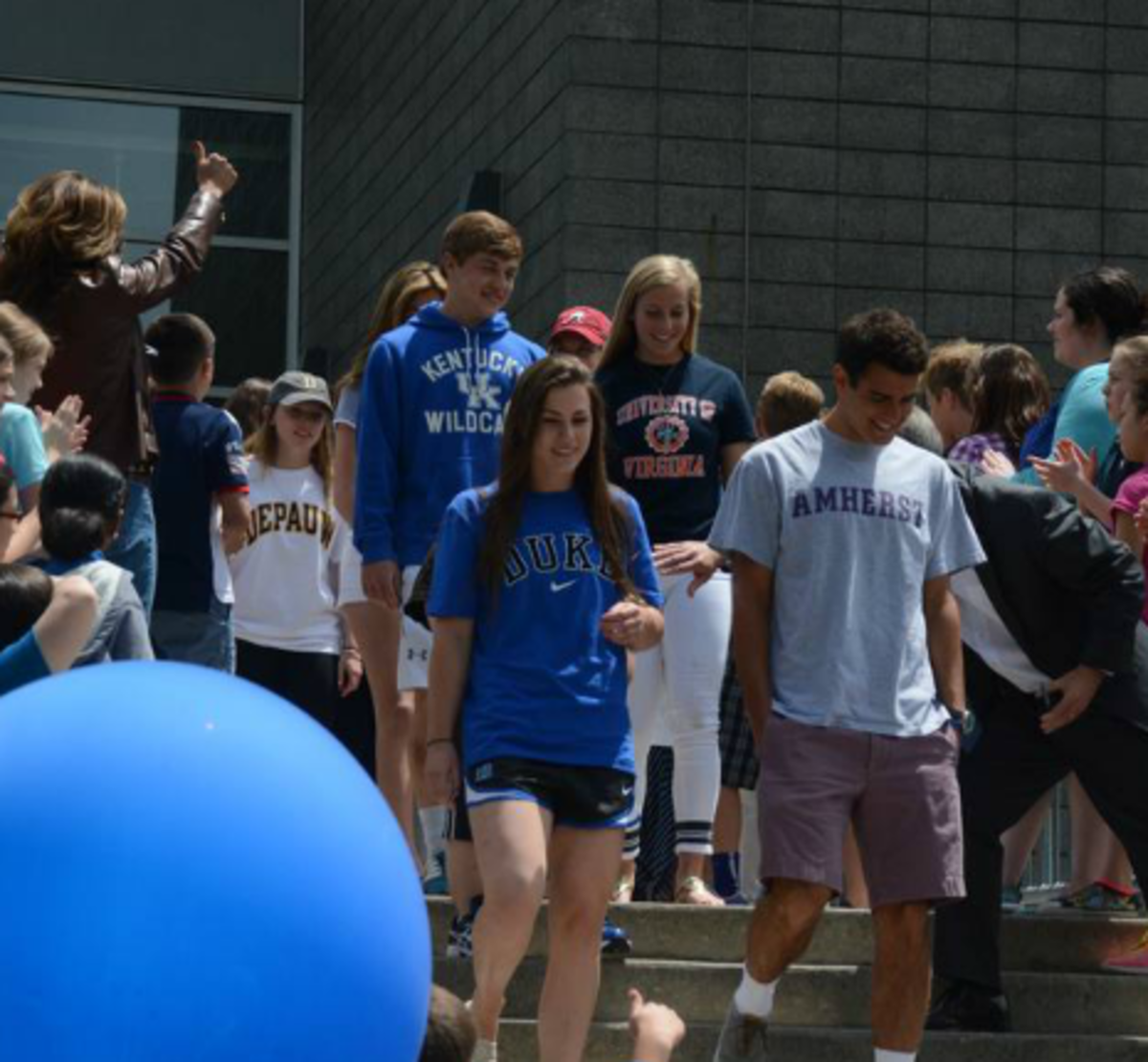 Country Day Bids Adieu to Seniors with All-School Clap Out