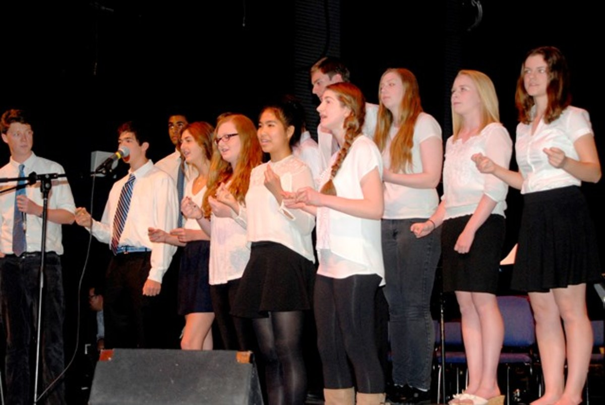 Hupper '15 Brings Acapella to Country Day