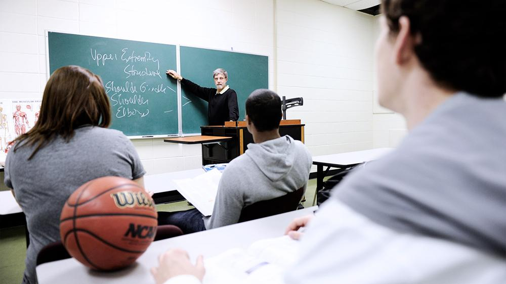 How to Approach College Athletics