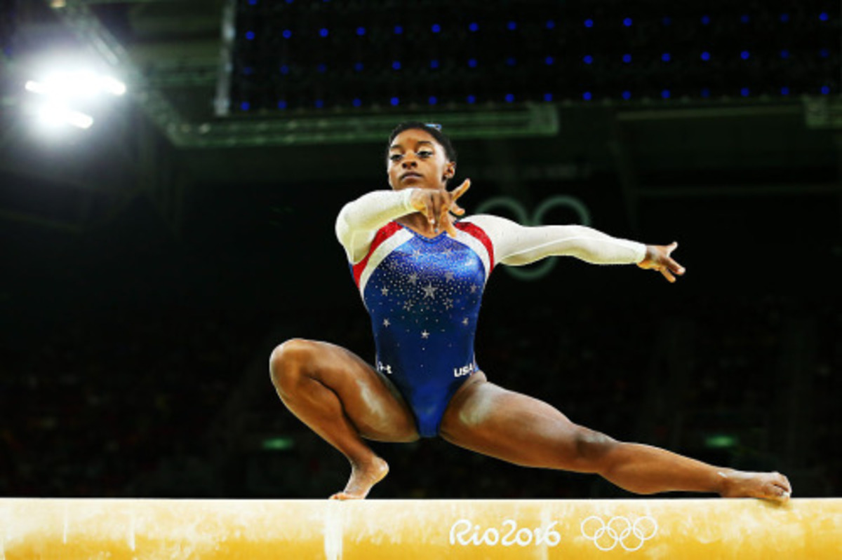 http://celebritiesofcolor.tumblr.com/post/148804979516/simone-biles-of-the-united-states-competes-on-the